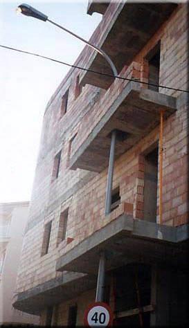 Il lampione in balcone (fonte GIORNALETTISMO)
